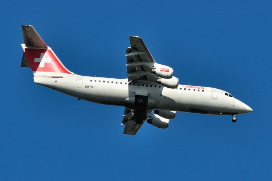 Swiss Avro RJ 100 2