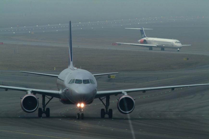 SAS plane taxiing